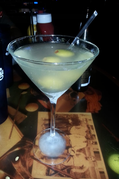 Dirty Martini, Shaken not stirred